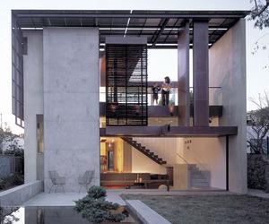 Solar-umbrella-residence-m