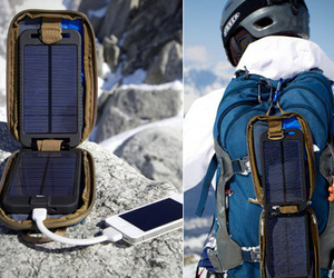 Solarmonkey-adventurer-portable-solar-charger-m