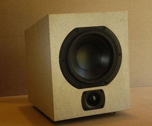 Solid-stone-speaker-from-audiomasons-design-works-comet-m