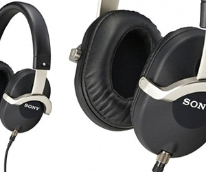 Sonys-newest-ear-cans-m