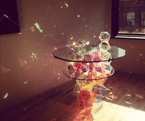Sparkle-palace-geometric-table-m