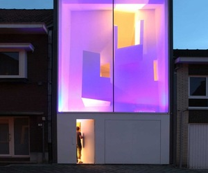 Spectacular-home-in-brussels-is-a-light-sculpture-at-night-m
