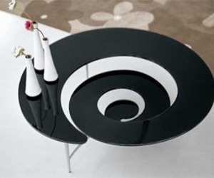Spiral-coffe-table-from-glass-m