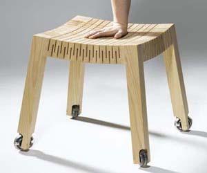 Spring-wood-wooden-stools-by-carolien-laro-2-m