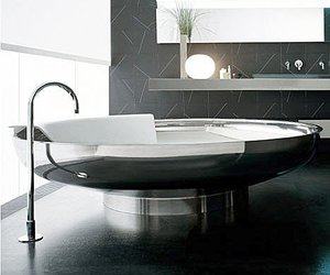Stainless-bathtub-by-agape-m