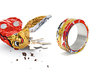 Stan - A ring made of chocolate-paper