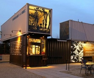 Starbucks-location-built-from-recycled-shipping-containers-m
