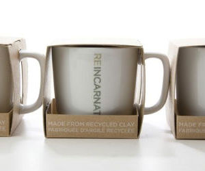 Starbucks-recycled-mugs-m