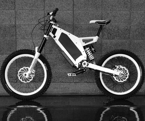Stealth Bomber Snow White Electric Bike
