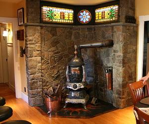 Steampunk-house-by-bruce-and-melanie-rosenbaum-m