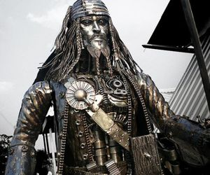 Steampunk-jack-sparrow-sculpture-m