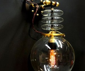 Steampunk-tesla-wall-lamp-by-art-donovan-m
