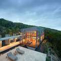 Steel-and-glass-home-with-jaw-dropping-views-s