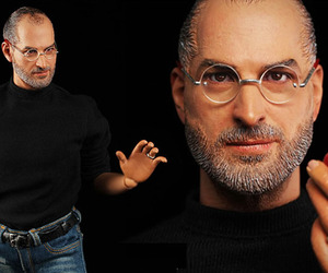 Steve-jobs-hyper-realistic-collectible-figure-m