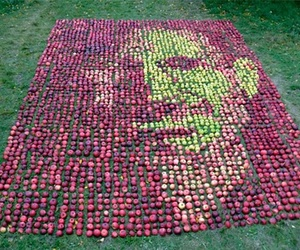 Steve-jobs-portrait-made-out-of-3750-apples-m