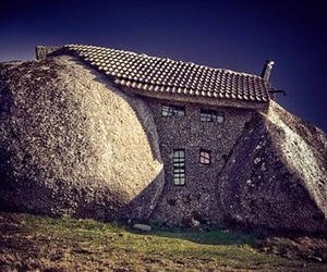 Stone-house-in-portugal-m