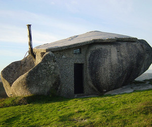 Stone-house-m