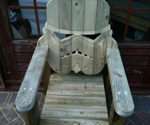 Stormtrooper-head-wood-lawn-chair-m