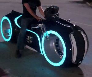 Street-legal-tron-lightcycle-m