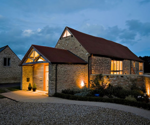 Striking-barn-conversion-in-england-m