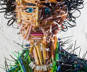 Stuck-pencil-sculptures-by-federico-uribe-m
