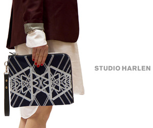 Studio-harlen-printed-clutch-m
