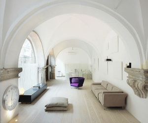 Stunning-500-year-old-cloister-conversion-in-barcelona-2-m