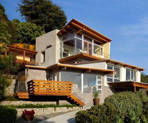 Stunning-beach-cottage-nestled-on-a-steep-slope-m