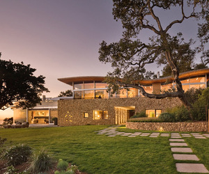 Coastlands House in Big Sur by Carver + Schicketanz