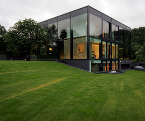 Stunning-glass-house-in-lithuania-m