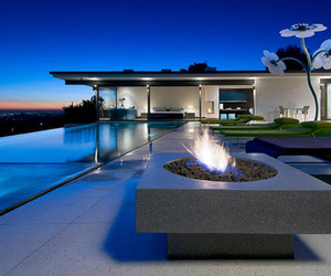 Stunning-la-property-with-fascinating-views-m