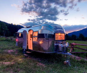 Stunning-restored-1954-airstream-flying-cloud-travel-trailer-m