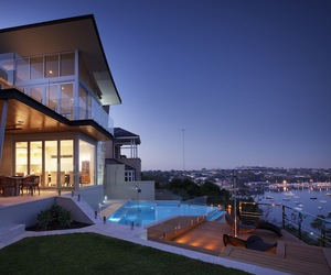 Stunning-riverside-home-in-perth-m