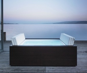 Sundeck-tub-by-eoos-for-duravit-m