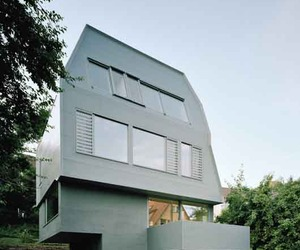 Sustainable-building-design-of-justk-house-m