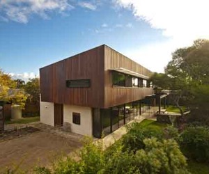 Sustainable-building-design-of-point-lonsdale-beach-house-m