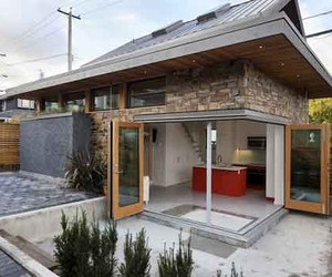 Sustainable Design of Laneway House by Lanefab