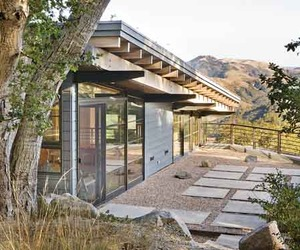 Sustainable-house-ocho-by-feldman-architecture-m
