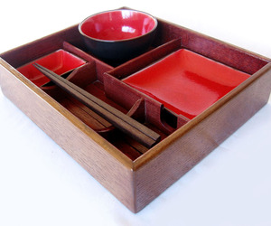 Suteki-box-bento-style-sushi-tray-recycled-oak-wine-barrel-m
