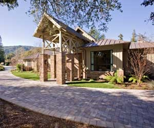 Sweeping-interlocking-paver-driveway-graces-estate-home-m