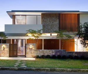 Sydney-based-river-house-by-mck-architects-m