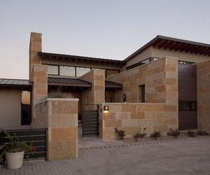 Terrace-mountain-house-m