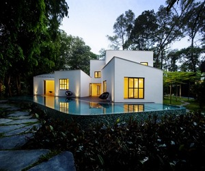 The 8 Box House by Tierra Design