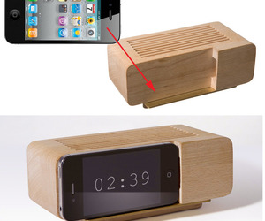 The-alarm-dock-for-the-iphone-by-jonas-damon-m