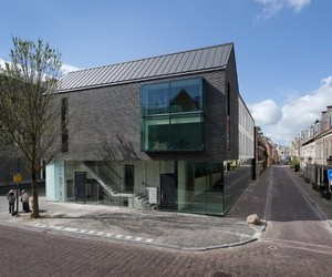 The-black-house-by-bakers-architecten-m