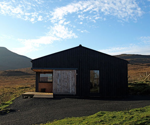 The-black-shed-on-the-isle-of-skye-m