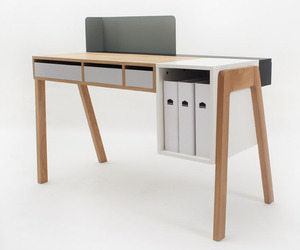 The-capa-desk-by-reinhard-dienes-m