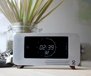 The-cdock-iphone-dock-and-clock-m