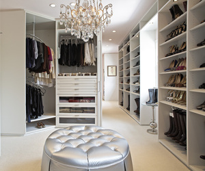 The-classic-white-closet-m