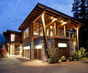 The-compass-pointe-house-in-whistler-canada-m